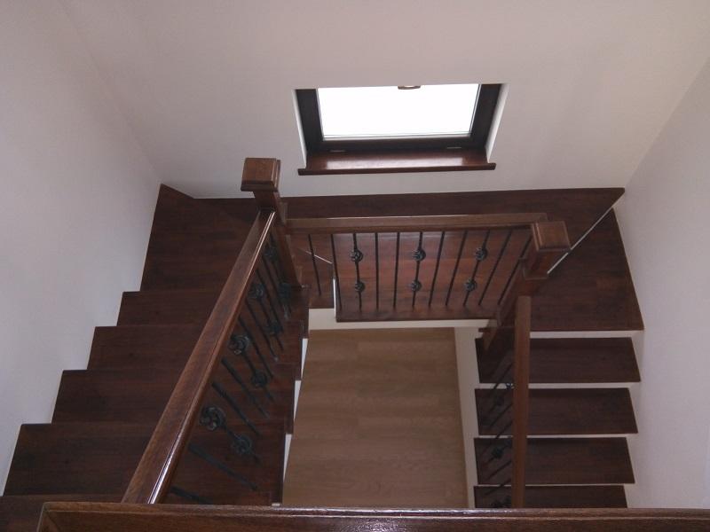 scari interioare din lemn