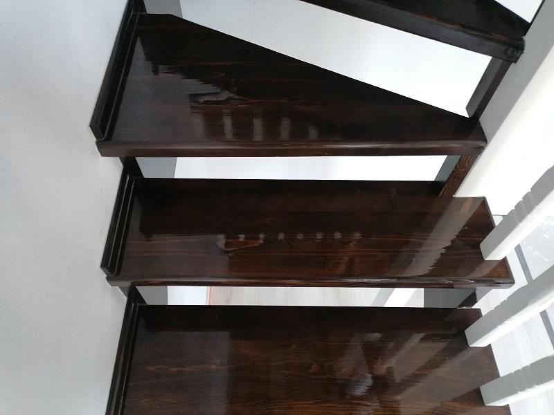 scari pe vanguri – scari interioare (1)