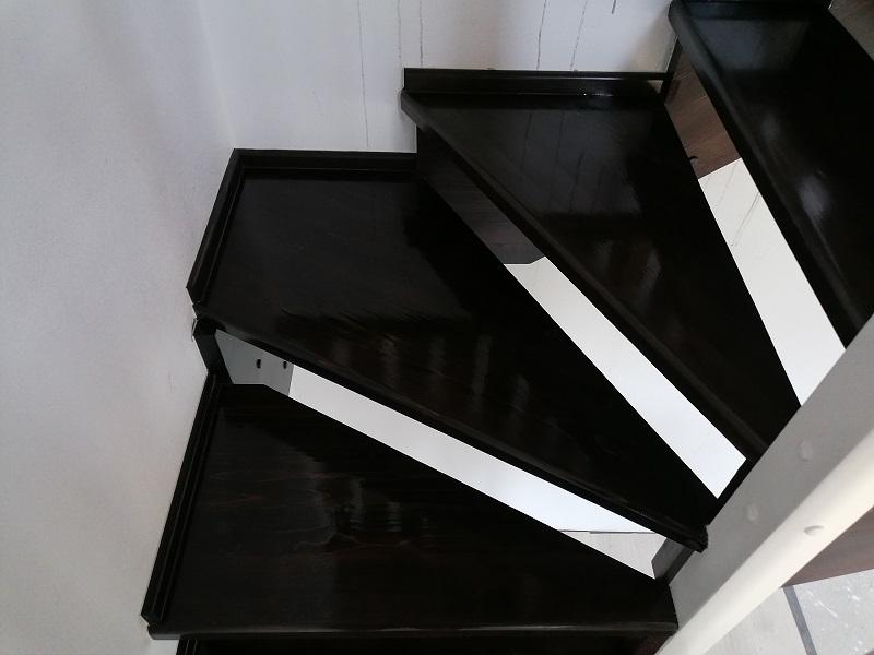 scari pe vanguri – scari interioare (2)