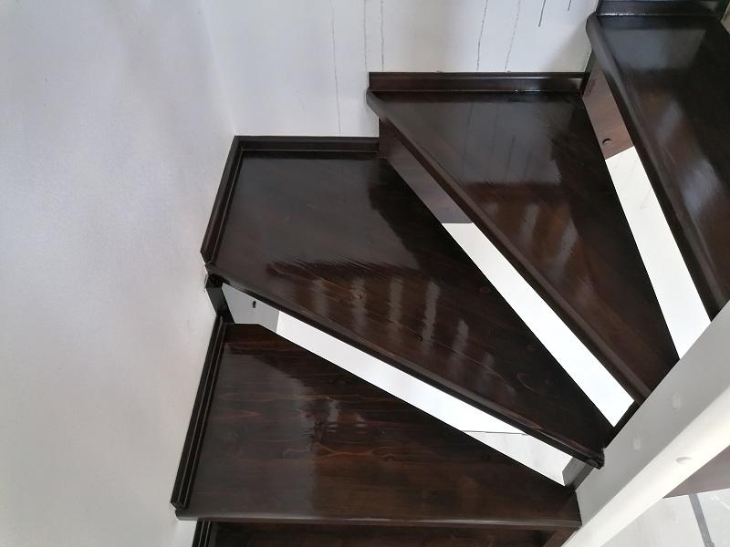 scari pe vanguri – scari interioare (4)